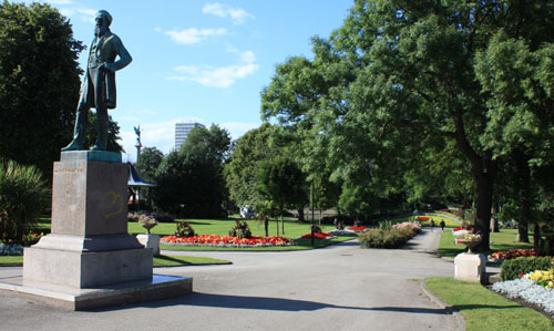 Mowbray Park and Candlish monument Sunderland