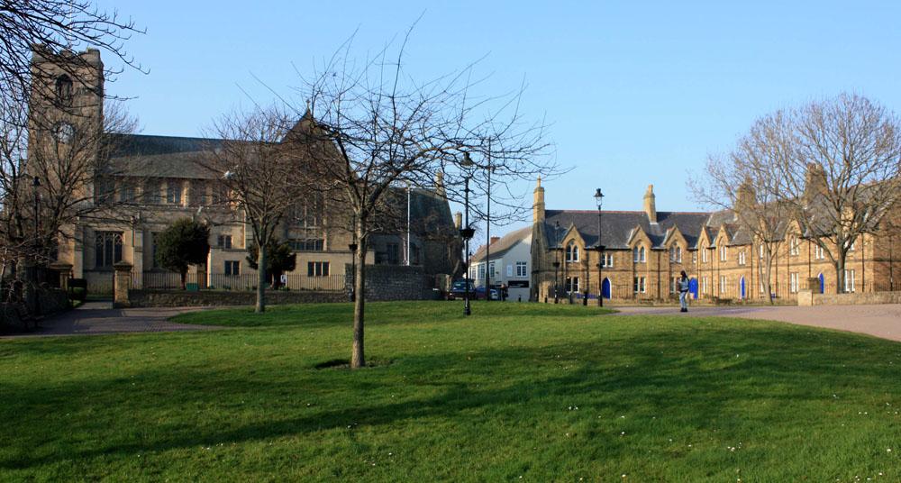 Sunderland Minster, Mowbray almshouses