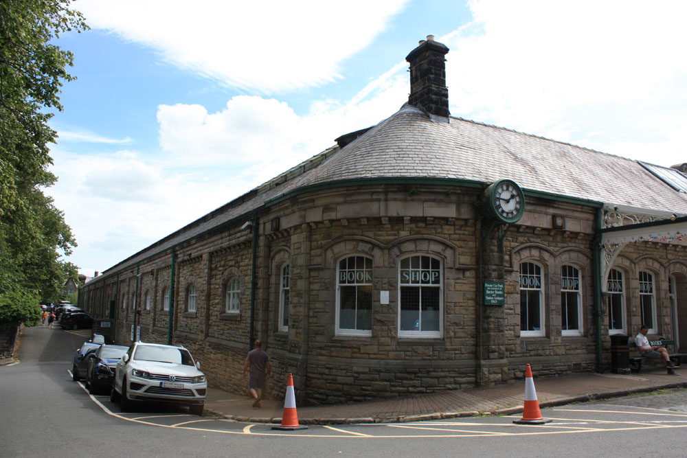 Barter Books occupies the former Alnwick Railway Station.