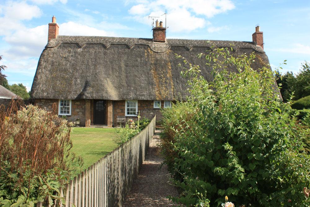 Thatched cottage, Etal village