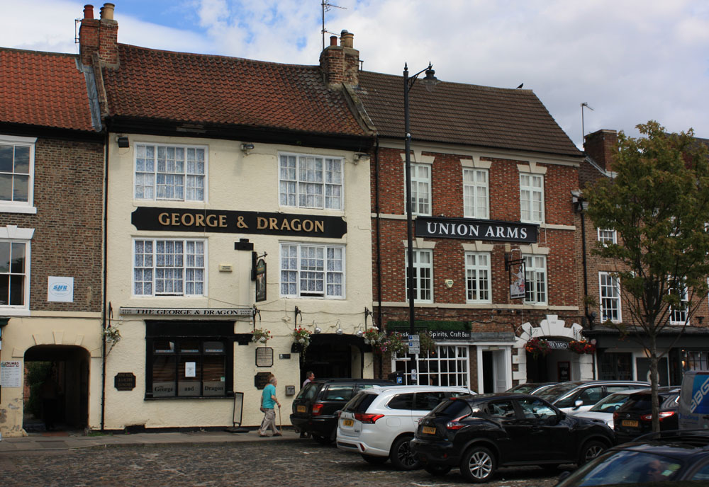 High Street pubs in Yarm