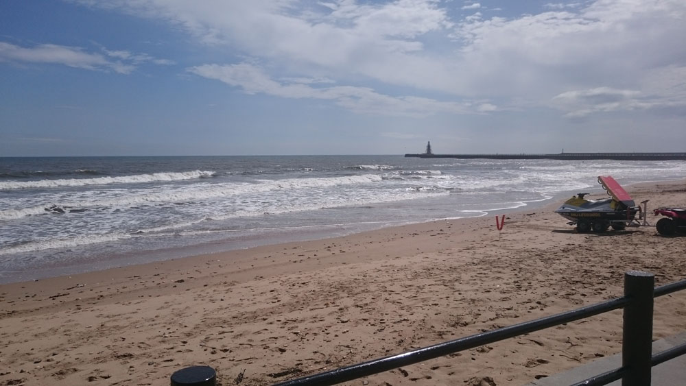 Beach at Seaburn / Roker