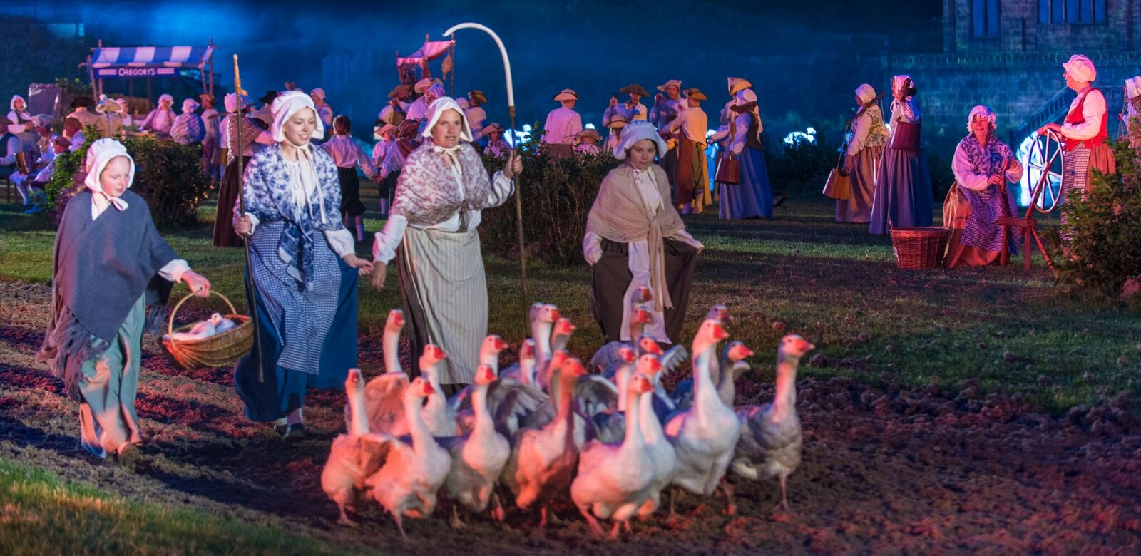 Kynren: Performers from the cast of 1,400