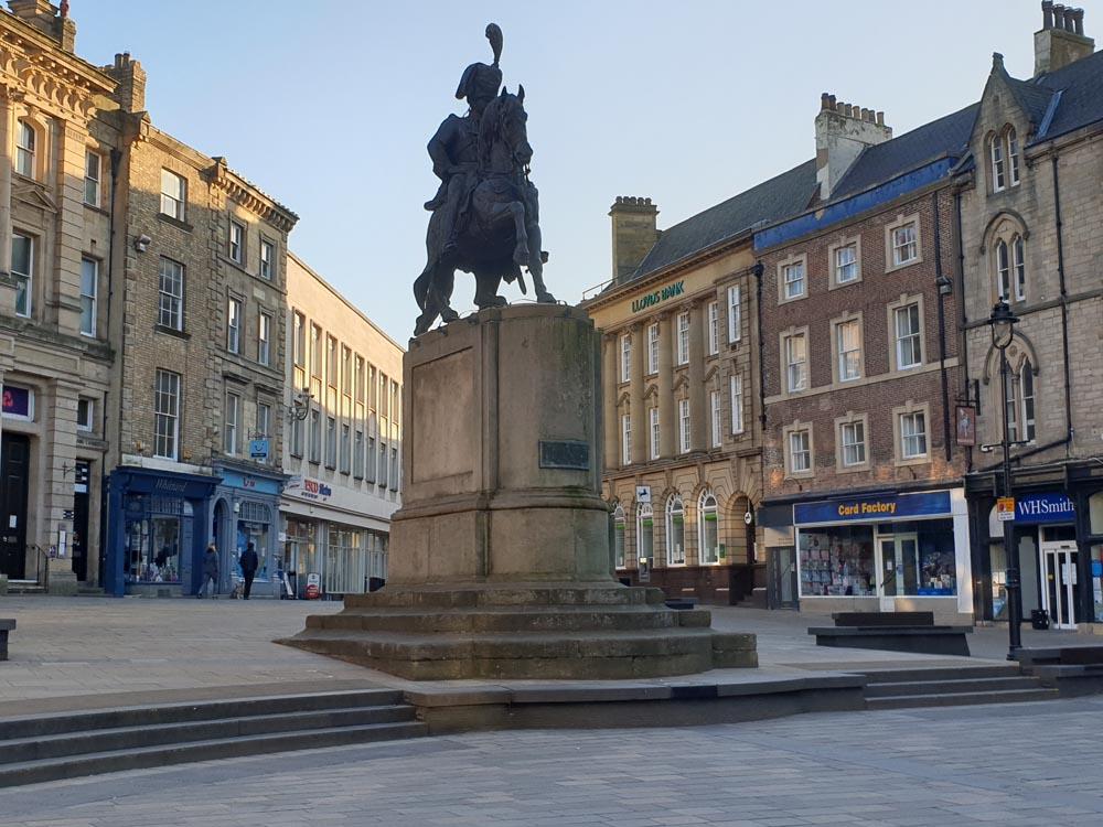 Durham Market Place, Londonderry statue