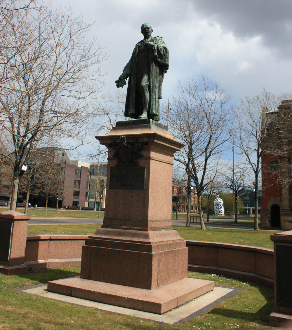 Sir Samuel Sadler statue, Middlesbrough