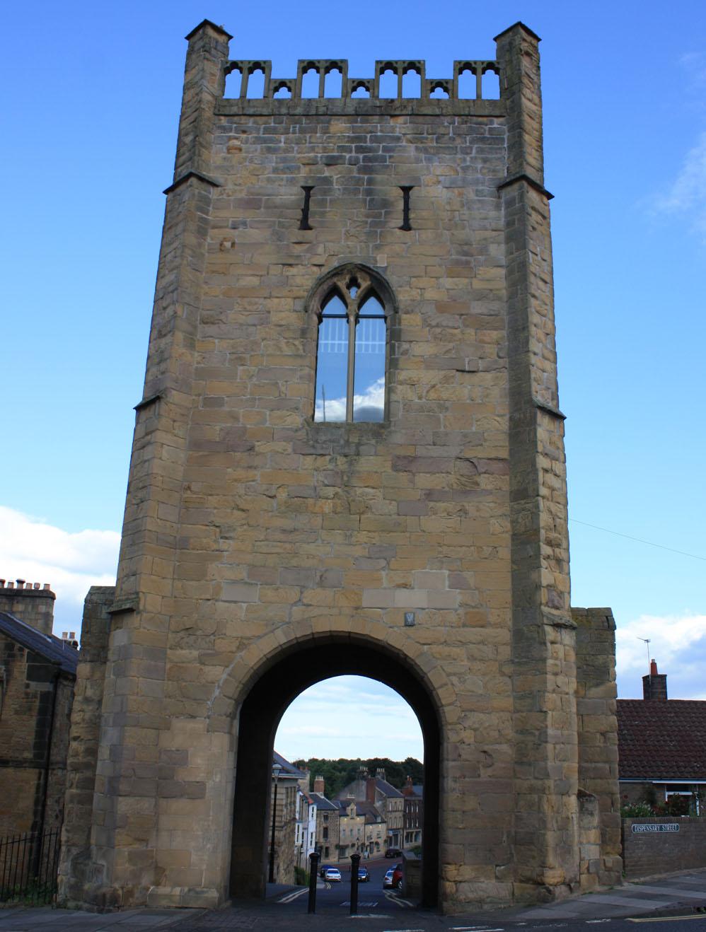 Pottergate Tower gate. Alnwick